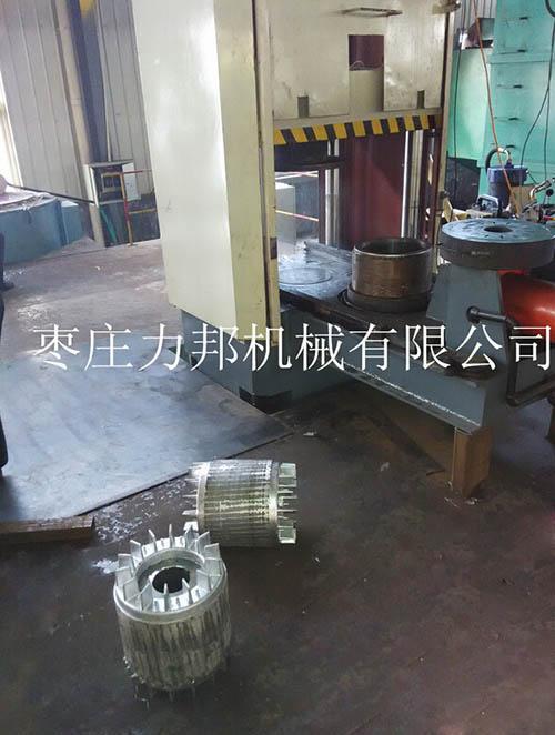 铝合金立式压铸机